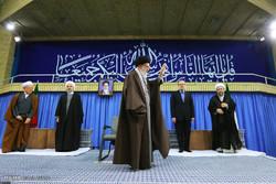 دیدار مسئولان نظام و سفرای کشورهای اسلامی با آیتالله خامنهای رهبر انقلاب اسلامی