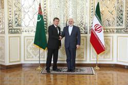 Zarif meets Turkmen counterpart in Tehran