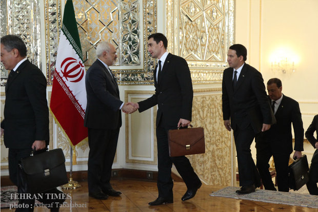 Zarif meets Turkmen counterpart in Tehran