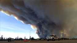 Wildfire rages in Canada's Fort McMurray