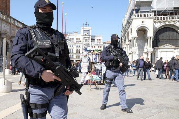 حمله با چاقو به یک سرباز ایتالیایی