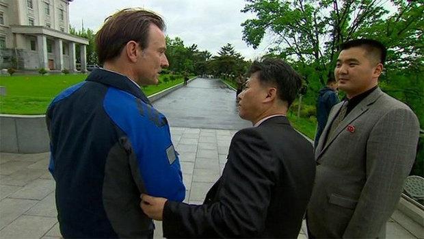 """كوريا الشمالية تطرد مراسل """"بي بي سي"""""""