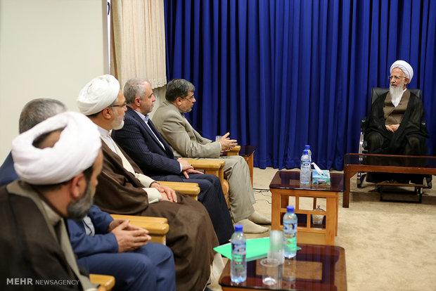 لقاء وزير الثقافة والارشاد مراجع الدين والتقليد في قم
