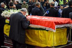 Lebanon holds funeral for Hezbollah cmdr.