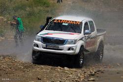 ۸۰ خودروی آفرود به مناسبت هفته تربیتبدنی در همدان رژه رفتند