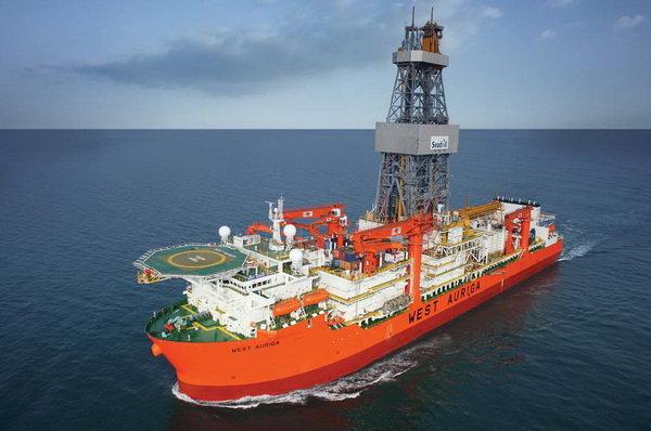 کشتی اکتشاف نفت و گاز