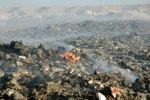 آتش سوزی گسترده در سایت زباله سفیره اهواز/ شهری پر از دودِ زباله