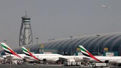 طائرة إماراتية تهبط اضطراريا في مطار دبي
