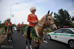 الخيول التركمانية الأصلية شعار تركمنستان الوطني