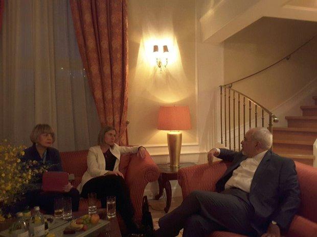 ظريف يتباحث مع موغريني في فيينا حول الاتفاق النووي وسوريا