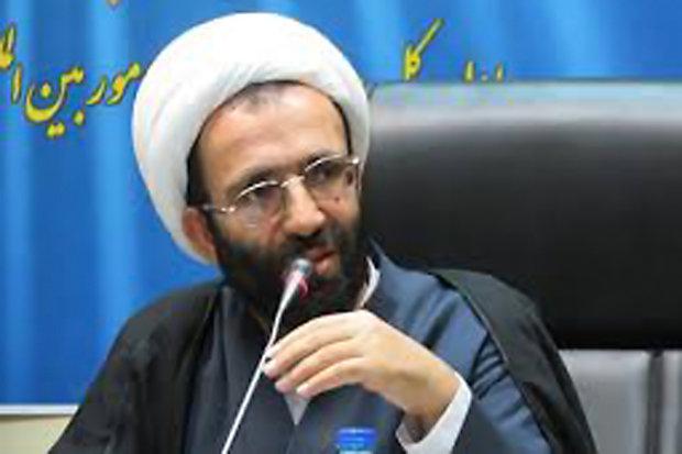 دولت در رابطه با گرانی و مطالبات مردم پاسخگو باشد