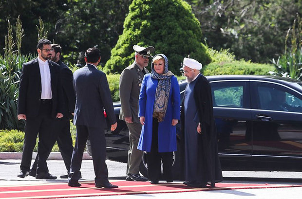 Rouhani officially welcomes Croatian president