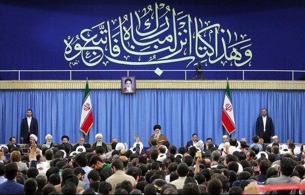 قائد الثورة يندد بخيانة بعض الدول الاسلامية وتعاونهم مع الطاغوت الأعظم امريكا