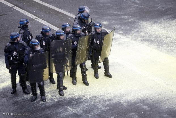حمله پلیس فرانسه به تظاهرکنندگان