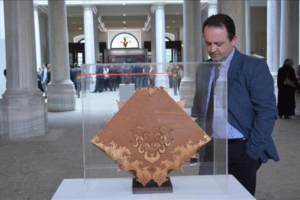 نمایشگاه «آذرنگاری» هنرمند ایرانی در دانشگاه استانبول