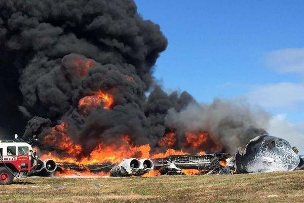 تحطم طائرة ركاب بنغلادشية في نيبال بالقرب من مطار كاتماندو الدولي