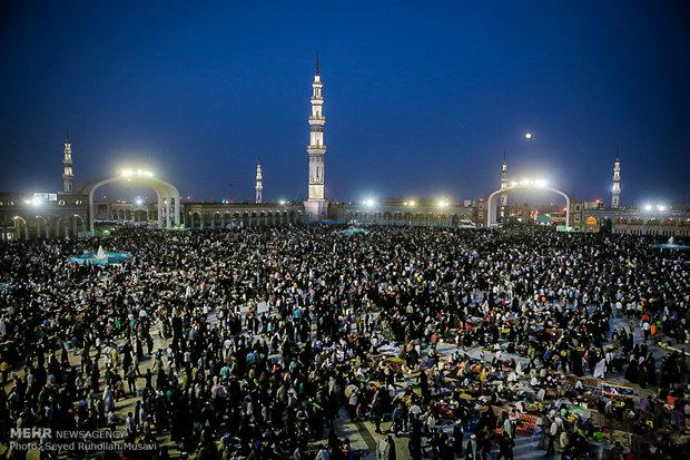 Jamkaran Mosque hosts pilgrims on 15 Sha'ban