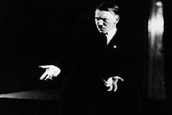 خانه هیتلر خراب می شود