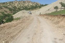 جادهای که خاکِ نبود اعتبار میخورد/ مسافران راهی مسیر نفتکشها شدند