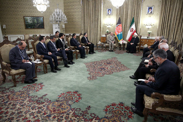 Rouhani officially welcomes Afghan president
