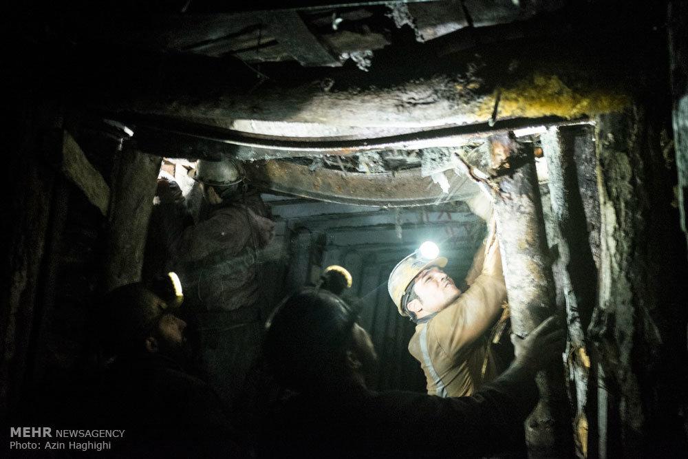 همه فصل ها گذشت و روسیاهی اش برای زغال و کارگرانش ماند
