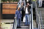 فرهادی، حسینی و ترانه علیدوستی به ایران آمدند/ از شادی مردم شادیم