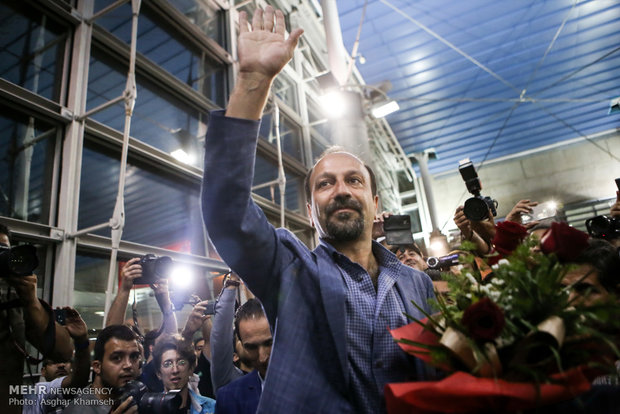 Iranians welcome 'The Salesman' crew at airport