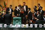 درگوشی ردیف اولی ها/ پخش کارت دعوت در جلسه افتتاحیه/نگرانی امیدی ها