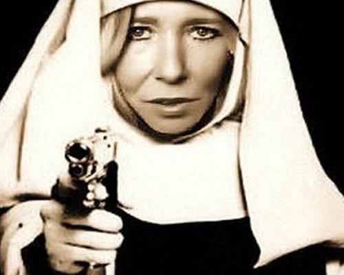 """""""سيدة الإرهاب"""" البريطانية تهدد بتفجير قريب في لندن"""