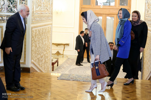 Zarif meets Lithuanian counterpart in Tehran
