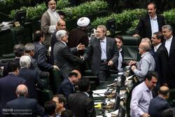 فراکسیون امید نامزدی عارف برای ریاست مجلس را بررسی میکند