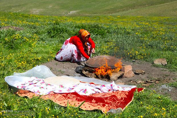 İran'ın Karadağ bölgesinde göçebe hayatı