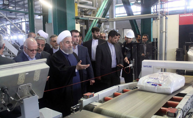 Rouhani officially inaugurates Mahabad Petrochemical Complex