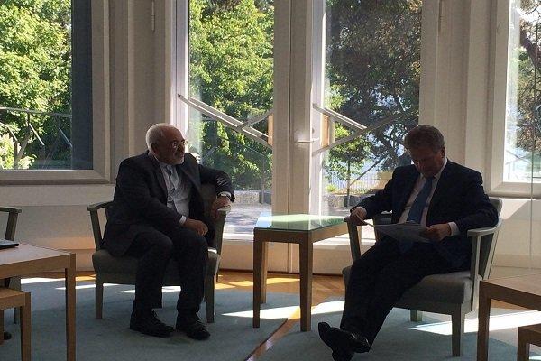 ظريف يلتقي بالرئيس الفنلندي ساولي نينيستو
