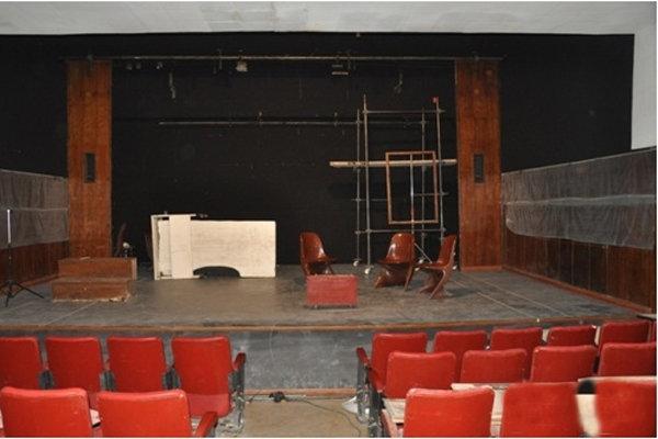 اجرای سه نمایش به صورت همزمان در تالار ناصرخسرو