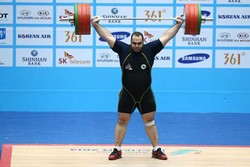 Iran's 3rd weightlifting outfit departs for Rio