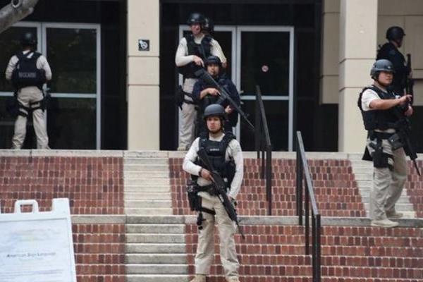 ۵ کشته و زخمی براثر تیراندازی در مدرسه ای در آمریکا