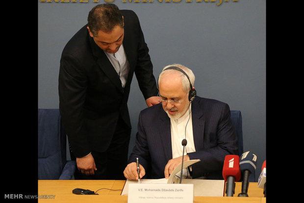 دیدار وزرای خارجه ایران و لتونی