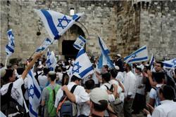 راهپیمایی مشکوک صهیونیستها در قدس و آمادگی کامل جوانان فلسطینی