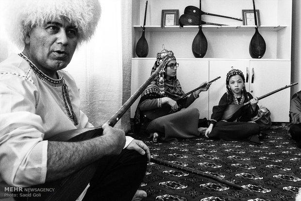 """Turkmen """"Bagshy""""s"""