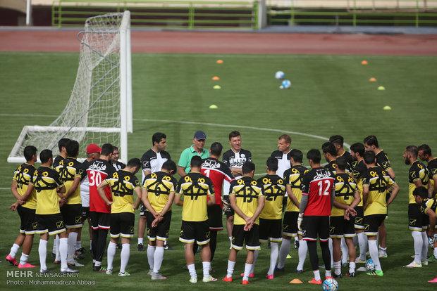 Carlos Queiroz calls up 38 cheetahs for Armenia camp