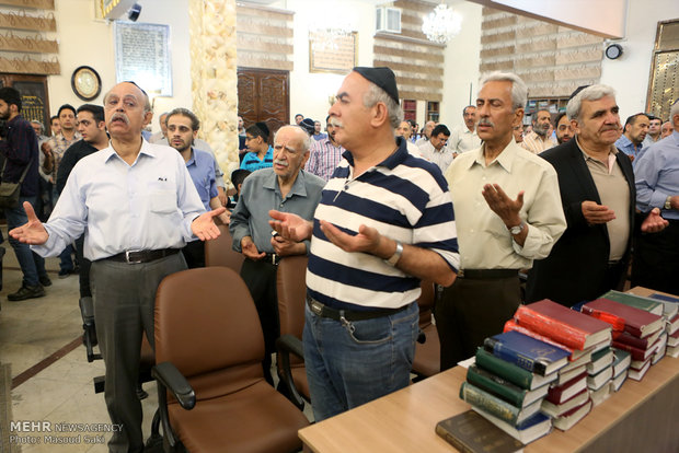 Commemoration of Imam Khomeini in Jewish synagogue
