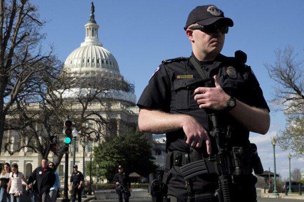 مقتل ثلاث أمريكيين وإصابة آخرين في حادث اطلاق نار