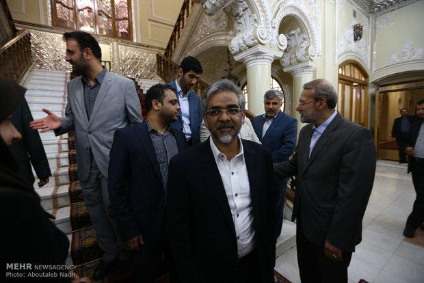 نشست صمیمی اصحاب رسانه با رئیس مجلس