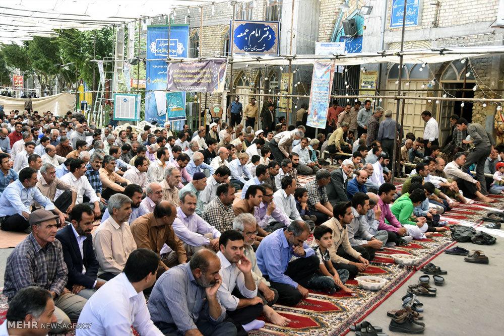 اقامه اولین نماز جمعه ماه رمضان در شهرضا