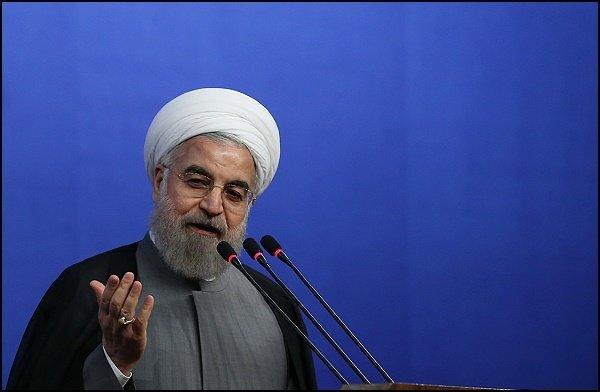روحانی: انقلابی پشیمان نمی شناسم/ باید همه انقلابی باشیم