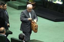 البرلمان الايراني يوجه اسئلة الى ظريف حول قضية غسيل الاموال