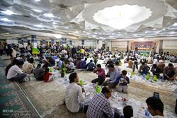 مشاهد من اقامة مأدبة الافطار في مرقد السيدة فاطمة المعصومة (س) بمدينة قم