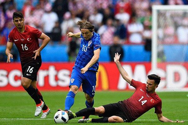 دیدار تیم های ملی فوتبال ترکیه و کرواسی