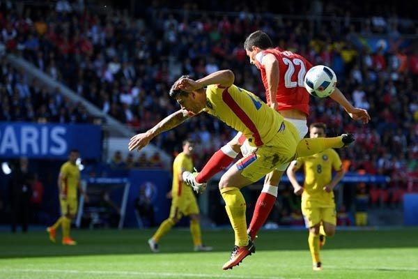 دیدار تیم های ملی فوتبال رومانی و سوئیس